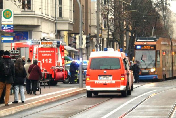 Unfall in der Riebeckstraße: Hier ging's nicht ohne Personenschaden ab. Foto: Ralf Julke