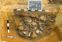 Fundgrube für Archäologen: Eine ausgegrabene Latrinengrube auf dem Wilhelm-Leuschner-Platz. Foto: Landesamt für Archäologie Sachsen