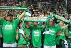 Über 4.000 Fans waren zum DHfK-Handballfest gekommen und feierten ausgelassen den vorzeitigen Aufstieg. Foto: Jan Kaefer