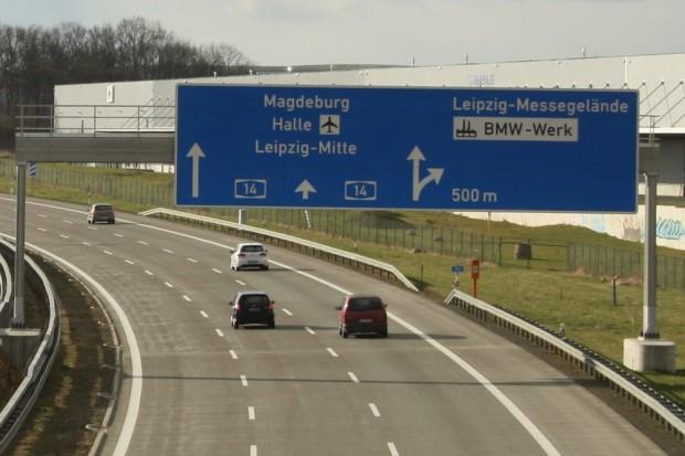 Beliebtes Pendlerziel für Leipziger Fachkräfte: das BMW-Werk im Norden. Foto: Ralf Julke