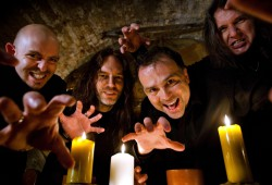 Seit 1985 on Tour - Bilnd Guardian: Frederik Ehmke, Hansi Kürsch, Marcus Siepen & André Olbrich (vlnr.) Foto: Blind Guardian