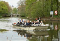 Boots-Herold unterwegs auf der Weißen Elster. Foto: Ralf Julke