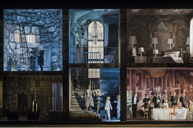Old England. Amerikaner ziehen in altes Schloss. Gordon Gettys Oper nach Oscar Wilde wurde am Sonnabend in Leipzig uraufgeführt. Foto: Kirsten Nijhof