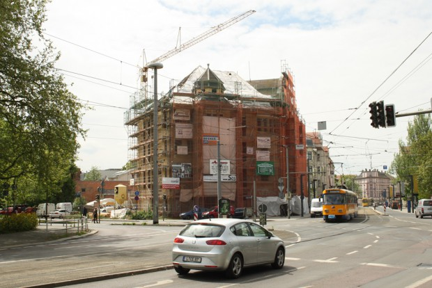 Da Capa-Haus alias Palgarten-Palais von der Jahnallee aus gesehen. Foto: Ralf Julke