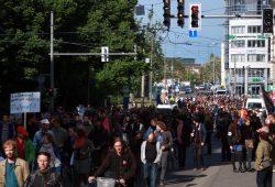 Menschenmassen am Friedrich-List-Platz. Foto: Alexander Böhm