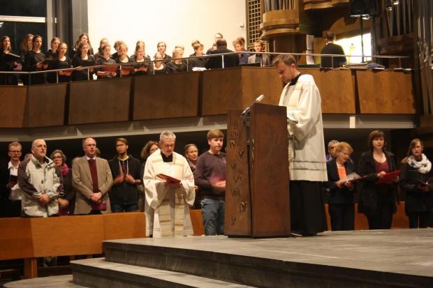 Zum letzten Mal singt der Chor. Foto: Ernst-Ulrich Kneitschel
