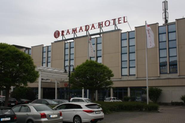 Das Ramada-Hotel in Paunsdorf, zu dem die Senioren-Wohnanlage gehört. Foto: Ernst-Ulrich Kneitschel