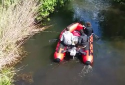 Mit Motor im Floßgraben. Videostill/ Autor: Olaf Maruhn