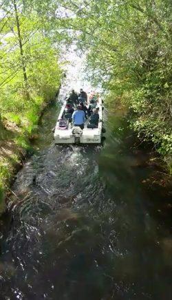 Eins der RANA-Boote auf dem Weg in die Lauer. Videostill / Autor: Olaf Maruhn