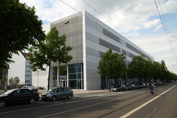 Mit dem Sommersemester 2015 schon voll in Betrieb: der Nieper-Bau an der Karl-Liebknecht-Straße. Foto: Ralf Julke