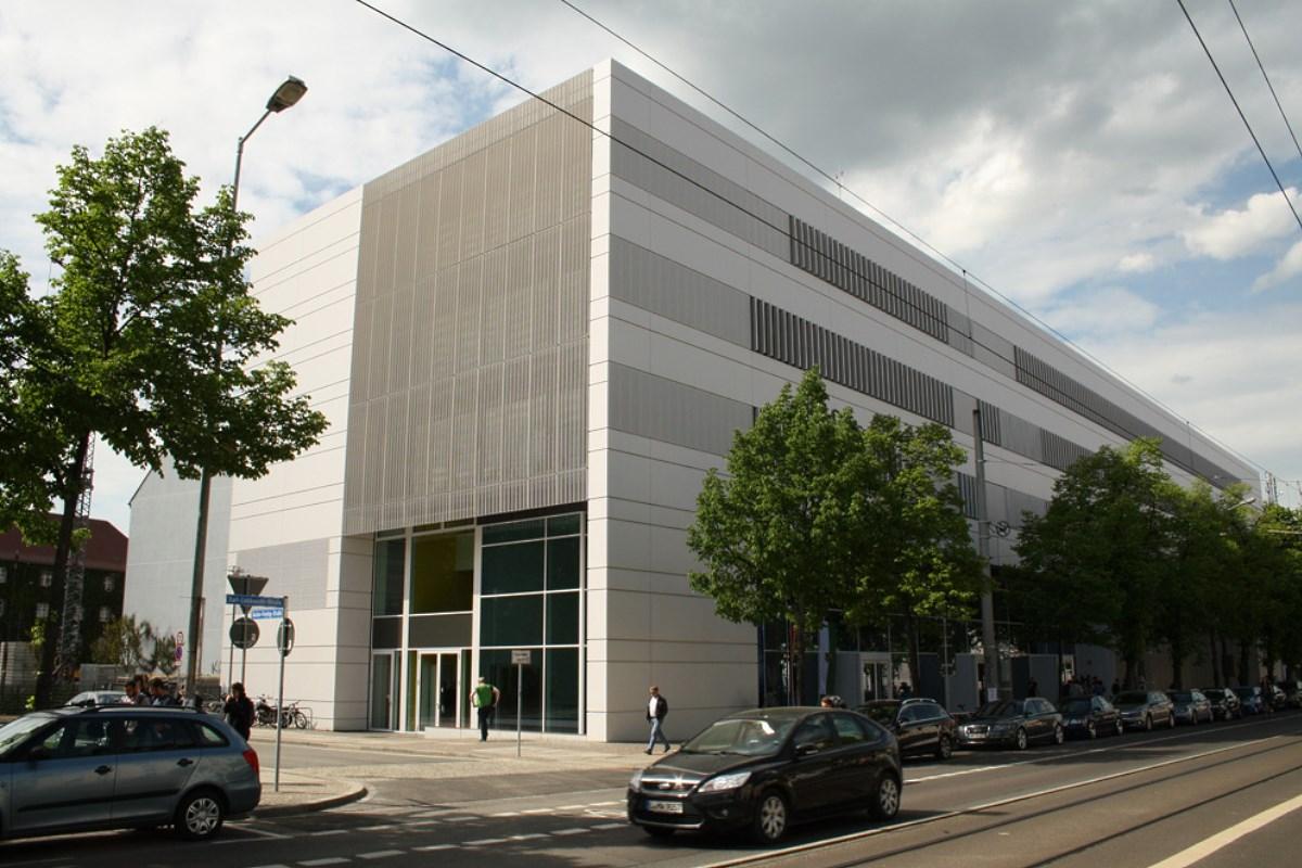 Der nach Ludwig Nieper benannte Neubau an der Karl-Liebknecht-Straße. Foto: Ralf Julke