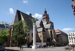 Seit 1176 mehrfach umgebaut: die Nikolaikirche auf dem Nikolaikirchhof. Foto: Ralf Julke