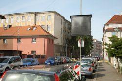 LED-Tafel in der Oeserstraße - am Wochenende ohne Botschaft. Foto: Ralf Julke