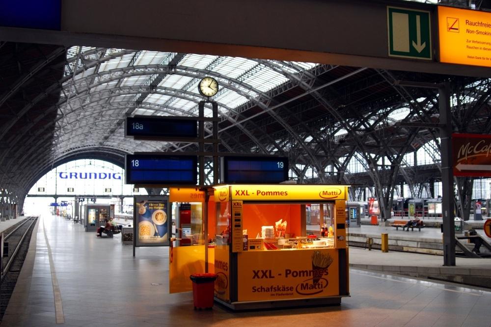 Eine fast gespenstische Stille beim letzten Bahnstreik am Hauptbahnhof Leipzig. Im Osten ist der Anteil angestellter Lokführer am höchsten, hier fallen die meisten Züge aus. Foto: LZ