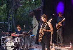 Als Band, die eigene Lieder stets neu arrangiert, bleibt die Alin Coen Band interessant. Foto: Sebastian Beyer