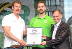 Brief und Siegel: Der SC DHfK hat die meisten Medaillen erkämpft. Foto: SC DHfK Leipzig