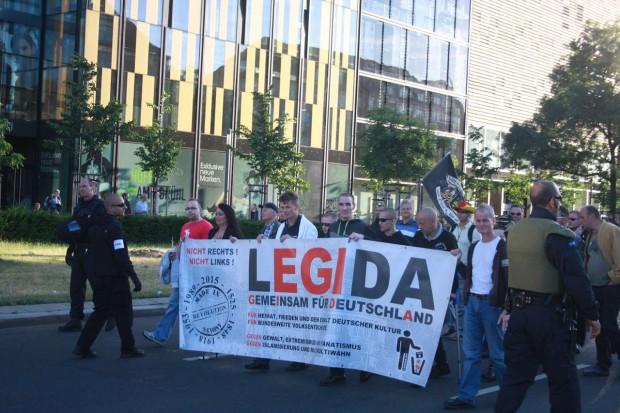 Fronttransparent von Legida. Foto: L-IZ.de