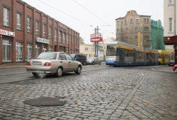 Einmündung der William-Zipperer-Straße (rechts) in die Georg-Schwarz-Straße im heutigen Zustand. Foto: Ralf Julke