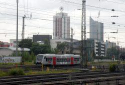 Hauptbahnhof-Gleisvorfeld mit Blick zum Wintergartenhochhaus in Leipzig. Foto: Michael Freitag