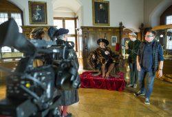 """Probenfoto während des Drehs der """"historischen Videoclips"""" mit Regisseur Volker Insel auf Burg Gnandstein. Foto: Rolf Arnold"""