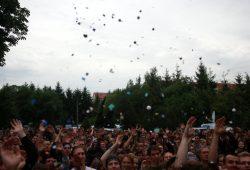Während die Flüchtlingsunterstützer Party machen. Foto: Alexander Böhm