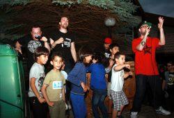 Tanzende Kinder auf der Bühne. Foto: Alexander Böhm
