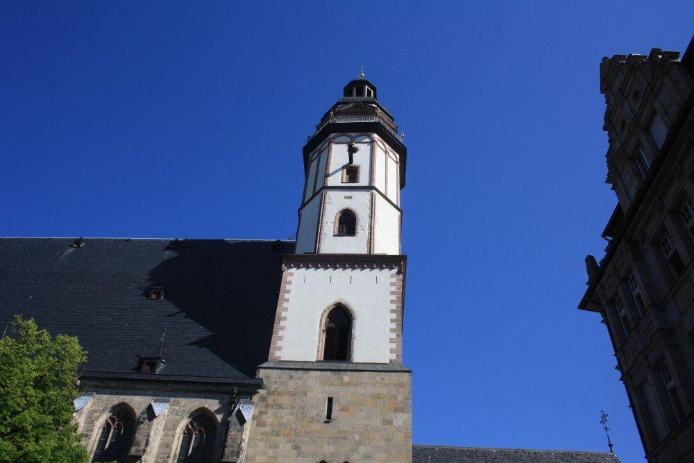 Der Turm der Leipziger Thomaskirche. Foto: Ernst-Ulrich Kneitschel