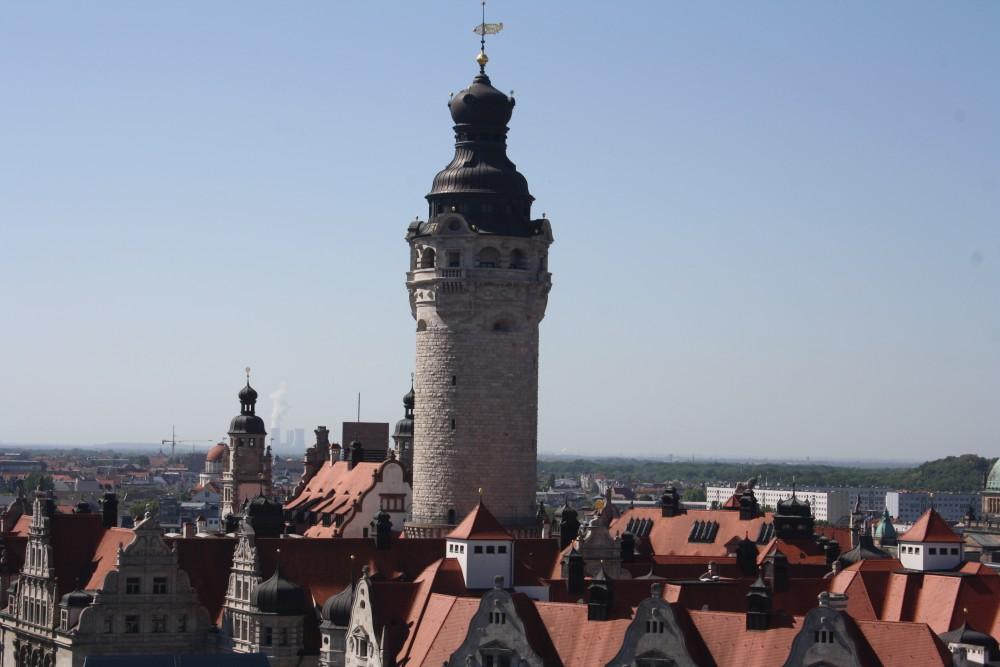 Neues Rathaus vom Turm der Thomaskirche aus. Foto: Ernst-Ulrich Kneitschel