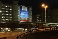 Das Megaposter mit einer Größe von 250 Quadratmetern machte vier Wochen lang auf die Wirtschaftsregion Leipzig aufmerksam und unterstützte zudem die Akquisitions-Tour durch die Schweiz. Foto: ClearChannel