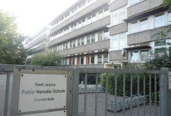 Der alte Plattenbau der Pablo-Neruda-Schule. Foto: Marko Hofmann