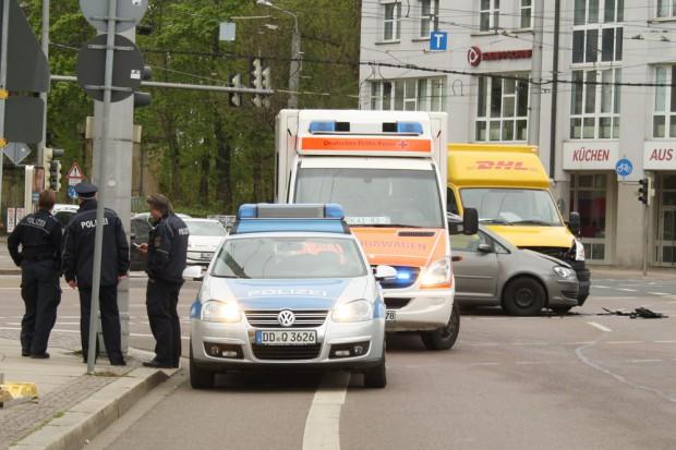 Verkehrsunfall an der Kreuzung Friedrich-Ebert-Straße / Käthe-Kollwitz-Straße. Foto: Ralf Julke