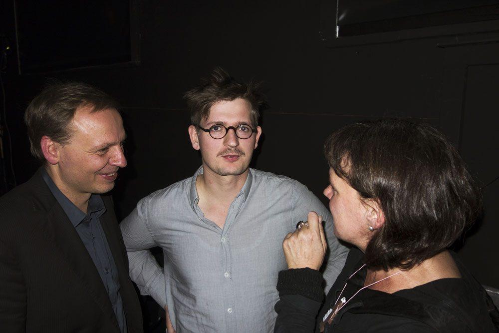Wolfram Höll mit Enrico Lübbe und Claudia Bauer. Foto: Rolf Arnold.