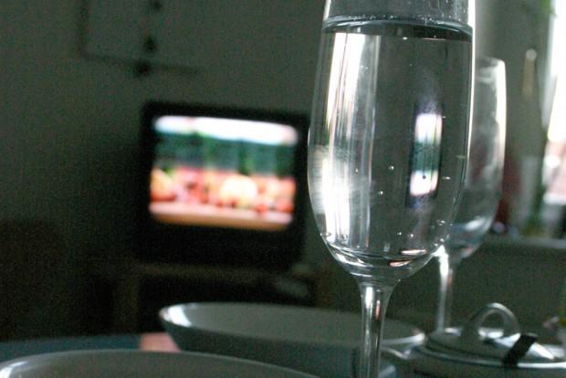 Schon lange nicht mehr das Normale: ein Fernseher in jeder Wohnstube. Foto: Ralf Julke