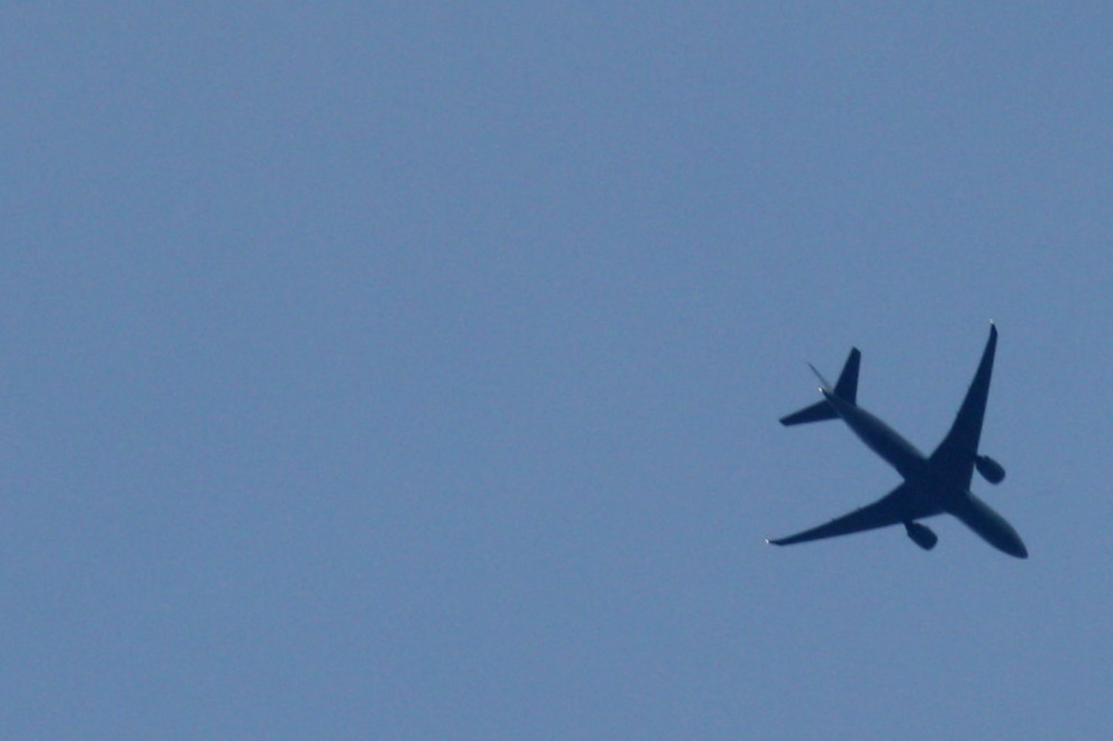 Besondere Hörgenüsse bereiten Flugzeuge, die in geringer Höhe übers Leipziger Stadtgebiet lustwandeln. Foto: Ralf Julke