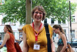 Franziska Mauersberger auf Tour durch Leipzig. Foto: Volly Tanner