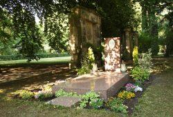 Das neu gestaltete Gellert-Grab auf dem Südfriedhof. Foto: Ralf Julke