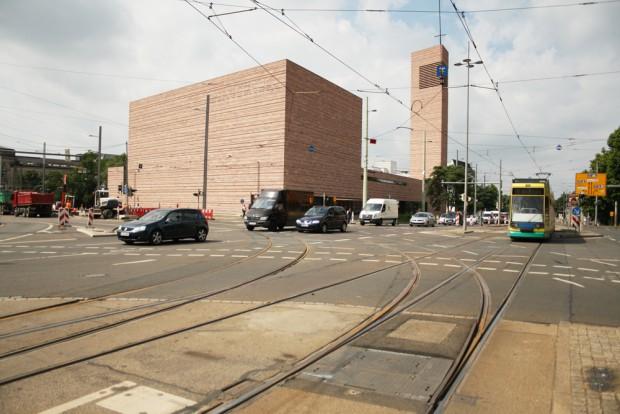 Gleiskurve am Peterssteinweg:  Hier sollen die Gleise im Oktober erneuert werden. Foto: Ralf Julke