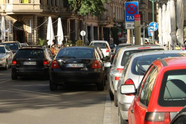 Gerade der Stadtbezirk Mitte (hier die Gottschedstraße) leidet unter Kfz-Lärm. Foto: Ralf Julke
