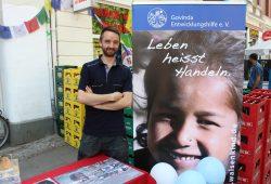 Daniel Diegmann - Wer den Govinda-AK-Leipzig kennenlernen und sich einbringen will, ist immer herzlich willkommen. Foto: Volly Tanner