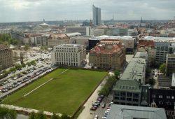 Grüne Wiese an der Gerberstraße: Hier will die SAB ihre neue Niederlassung bauen. Foto: Ralf Julke