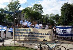 Keine Handelsbeziehungen mit dem Iran forderten die Teilnehmer. Foto: Alexander Böhm