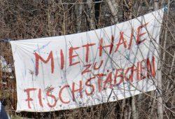 Unfassbar: Leipziger Wagenleute (wie hier am Karl-Heine-Kanal) wollen einfach nicht zur Miete wohnen. Foto: Marko Hofmann