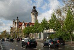 Auch kein leises Eckchen: Rossplatz in der Nähe des Neuen Rathauses. Foto: Ralf Julke