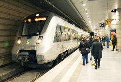 S-Bahn in der Station Leipzig-Hauptbahnhof. Foto: Ralf Julke