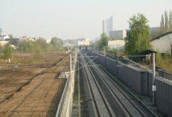 """Ideal geeignet für ein Wohnquartier: Fläche an der S-Bahnstation """"MDR"""". Foto: Ralf Julke"""