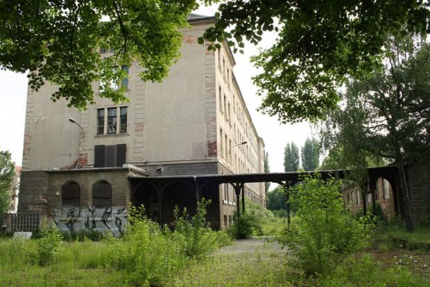Blick in den Schulhof der alten Hermann-Liebmann-Schule. Foto: Ralf Julke
