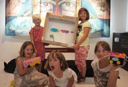 Schülerinnen aus dem Hort Großlehna bei der Trickfilmwerkstatt. Foto: Unikatum Kindermuseum