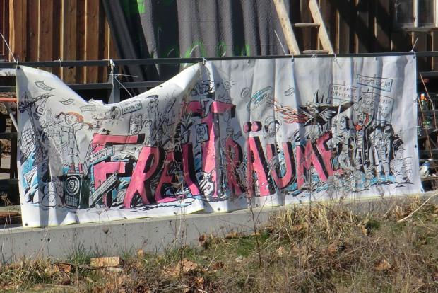 In einer wachsenden Stadt verschwinden die Freiräume: Plakat am Wagenplatz am Karl-Heine-Kanal. Foto: Marko Hofmann
