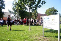 Aktivisten verhindern die Abreise nach Heidenau. Foto: Alexander Böhm