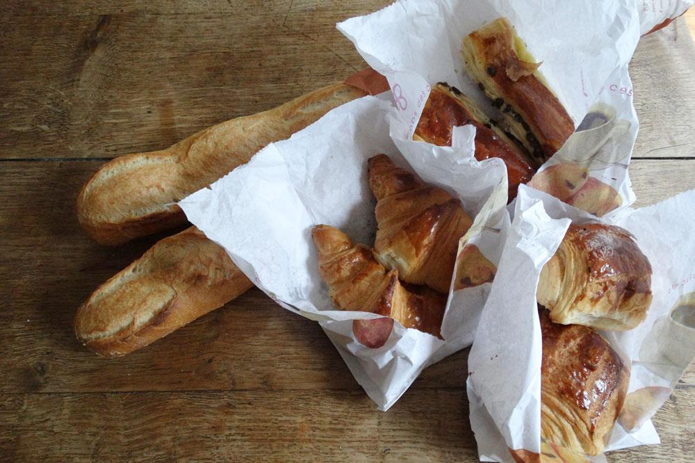 Die Jagdbeute: Croissants und Baguettes. Foto: Patrick Kulow